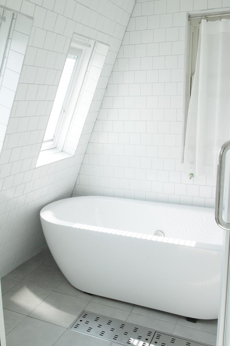 朝のバスルーム.JPG