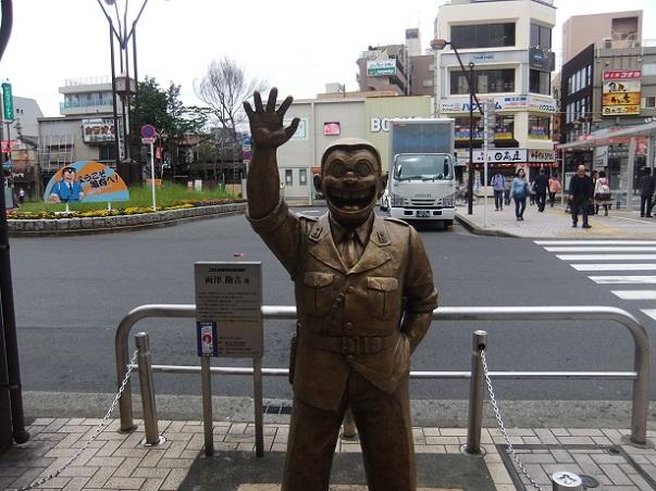 両さん像@亀有駅北口