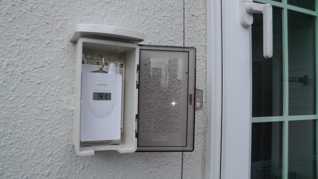 CITIZENコードレス温湿度計[THD501]子機センサーを未来工業 ウォルボックス [CWB-DM]に収納