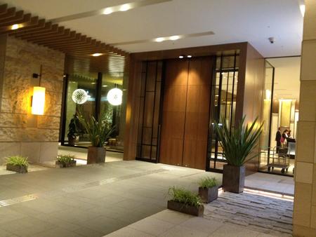 三井ガーデンホテル大阪プレミア玄関
