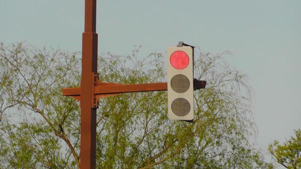 フラットなLED信号機