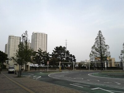 東戸塚西口2013年4月