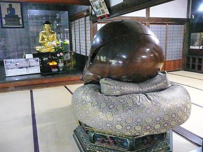名古屋 桃巌寺の巨大木魚