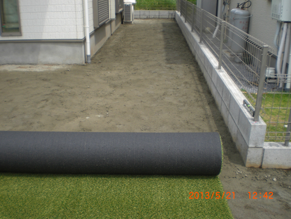 人工芝の施工。
