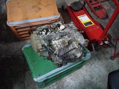 2013.03.24 3MAエンジン載せ替え 003(水没エンジン001)