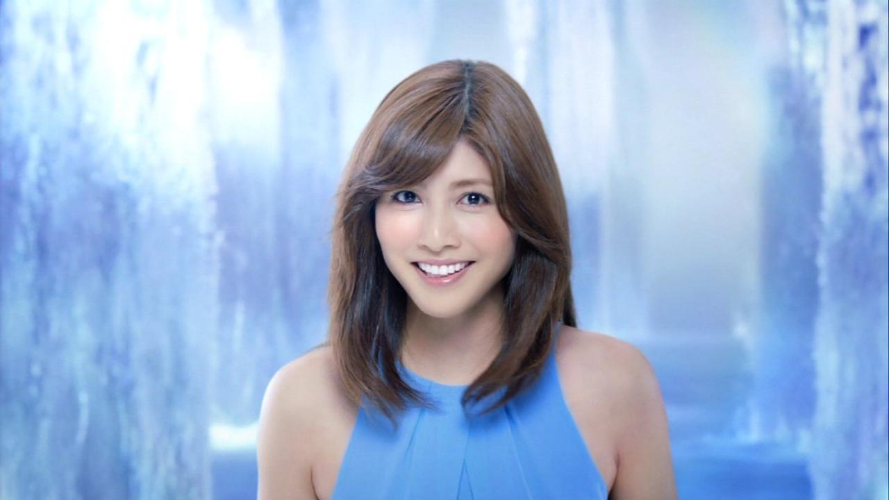 可愛い笑顔の内田有紀
