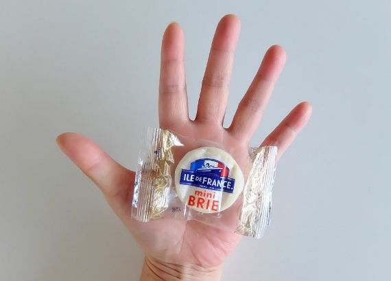 コストコ Mini Brie 15P 1378円 ILE DE FRANCE ミニブリーチーズ mini Brie soft&creamy