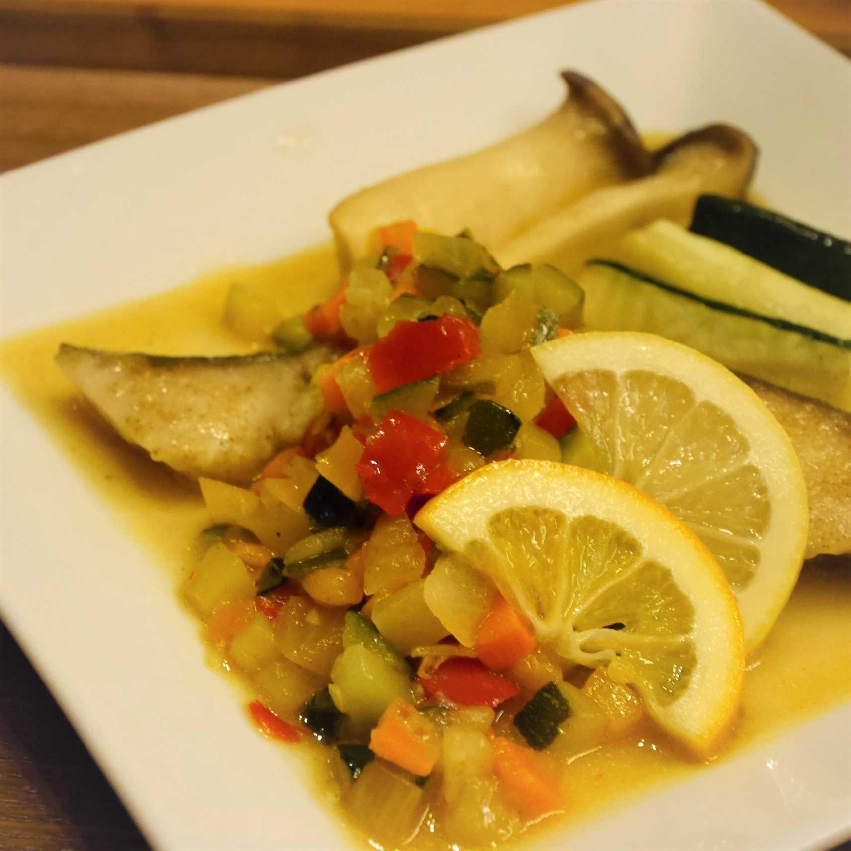 白身魚のカラフルレモンソースソテー_up