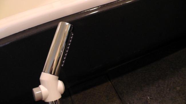 前面のボタンを押すとシャワーが止まる