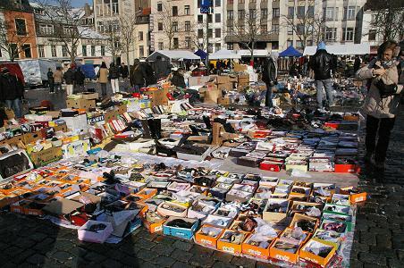 ブリュッセルの蚤の市 [ジュ・ド・バル広場] | 日刊フリースタイル 編集部 - 楽天ブログ