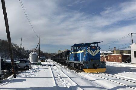 国内唯一の石炭を運ぶ列車「臨港...