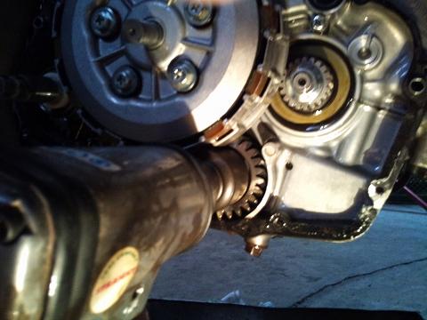 2013.04 3MAエンジン修理&CRM化粧直し 068(バランサーシャフト外し)
