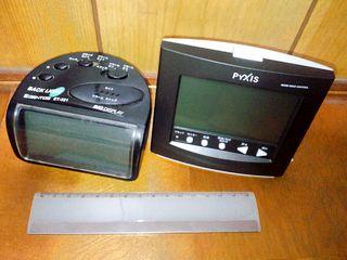左側)GENTOS ET-321/右側)PYXIS NR713K/下側)15cm定規