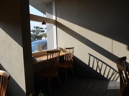 20カフェ(窓際).JPG