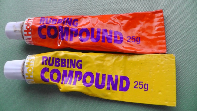 研磨剤 Holts RUBBING COMPOUND