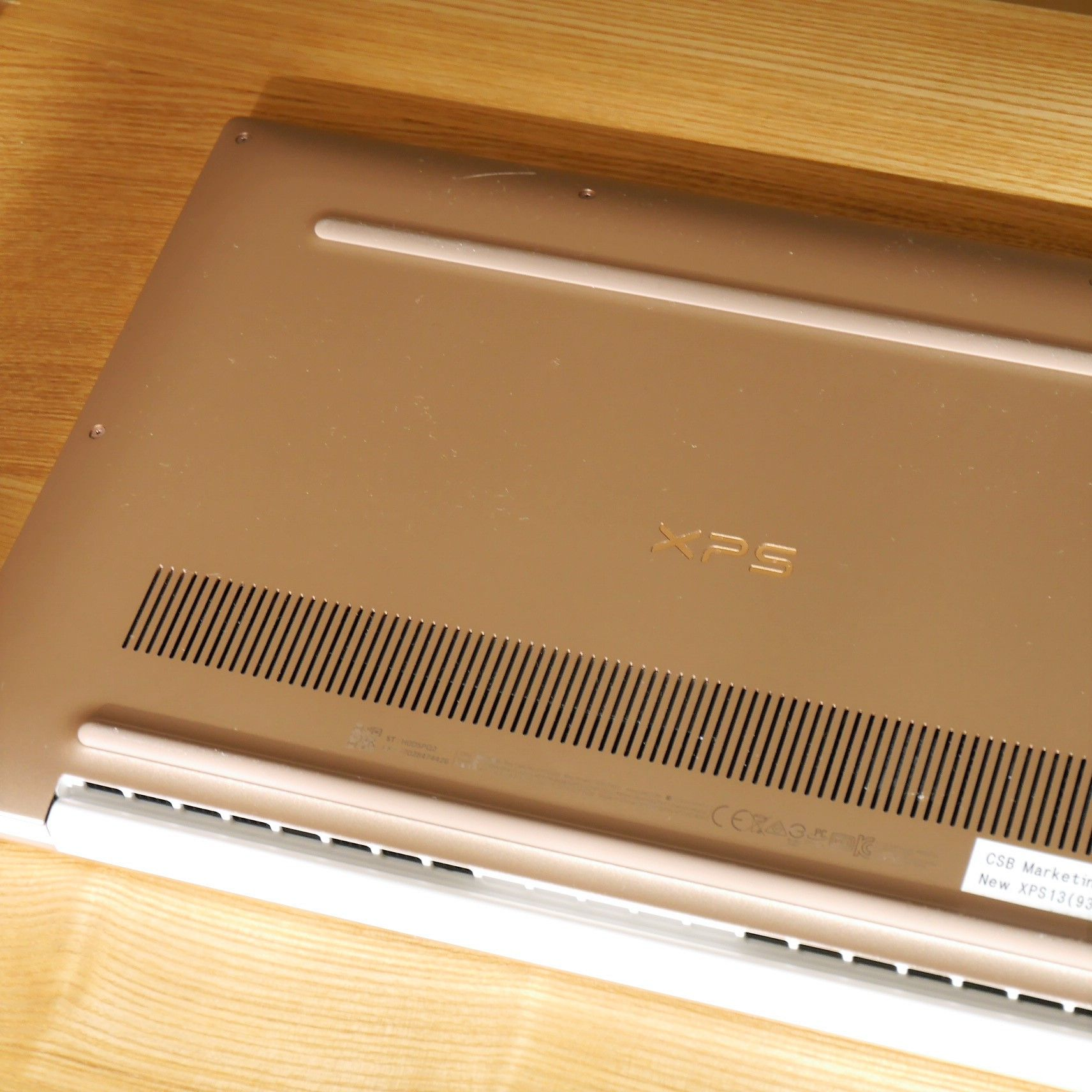 NEW XPS13_背面