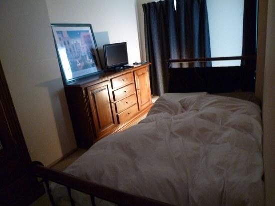 1春のベッドルーム i7550.jpg