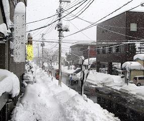 大雪警報中。