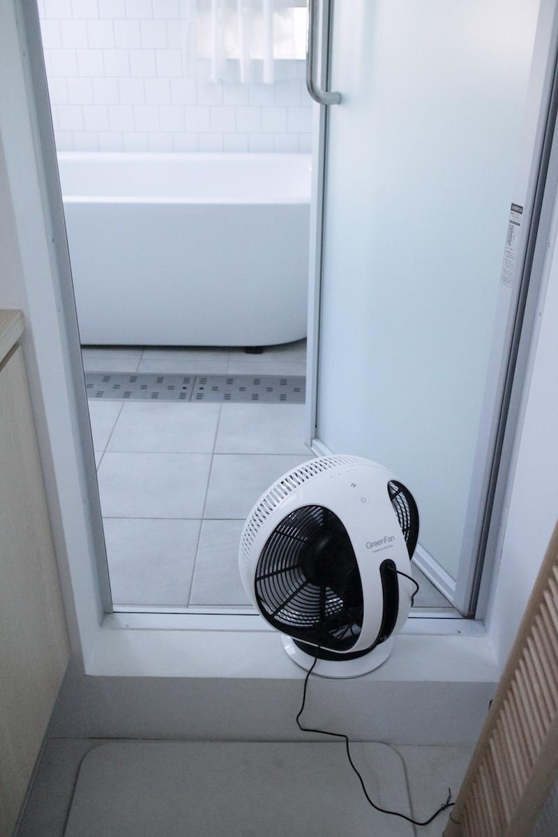 バルミューダ扇風機3.JPG