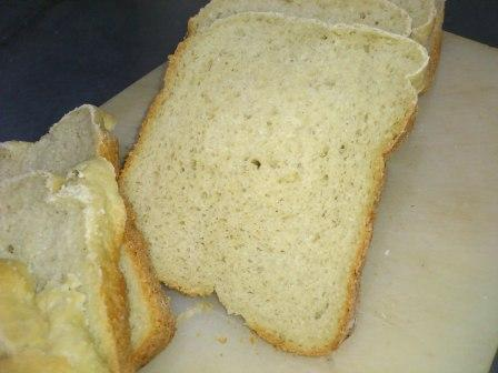 玄米100%パン-完成-切り分け1枚