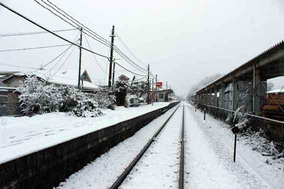 雪の阿波山川駅♪