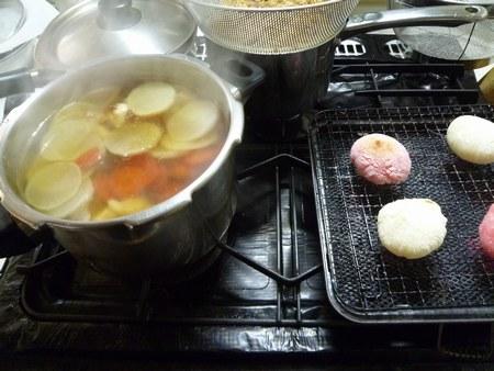 3おせち 餅焼き 2450.jpg