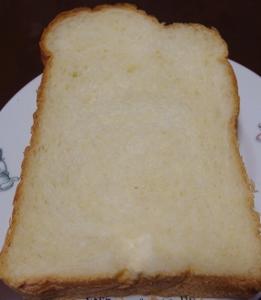 パナソニックで焼いたパン.jpg