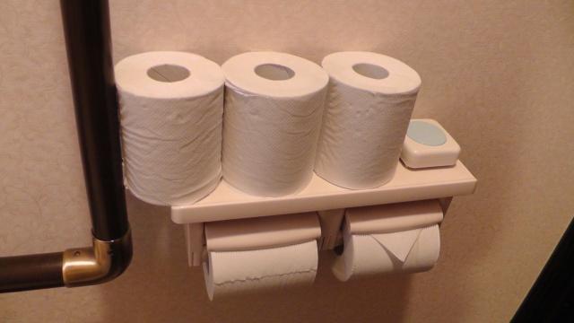 紙巻き器 トイレットペーパーホルダー 二連 棚付き