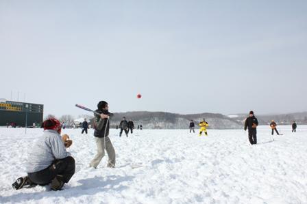 260302雪中ソフト01