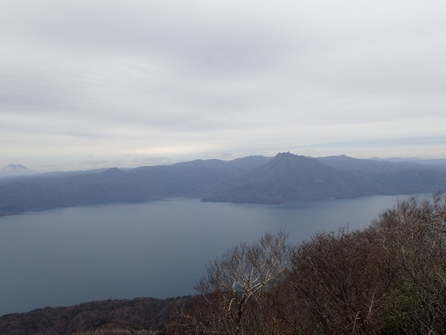 PB022541 12:17羊蹄山と恵庭岳」.jpg