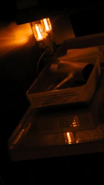 洗面化粧台に常夜灯を追加