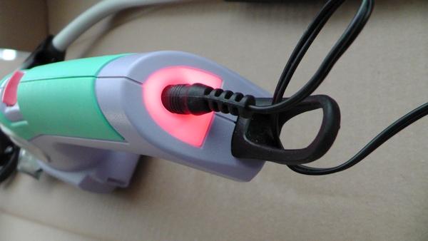 充電中は赤く光る 電動バリカン マルナカ エレテカ EHT3