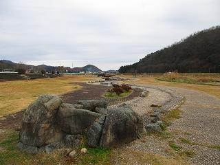 7宝見橋水辺公園.jpg