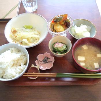 つばめ軽食店010.png