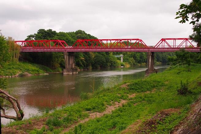 1.赤い滝下橋.JPG