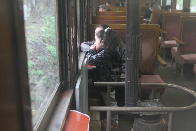 津軽鉄道 雨の ストーブ列車に乗る2
