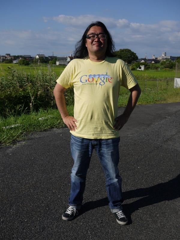 リサイクルショップで買った2ユーロのグーグルソーラーTシャツ.JPG