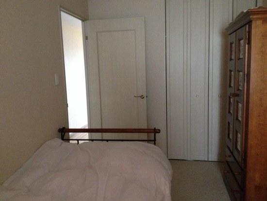 1春のベッドルーム4550.jpg