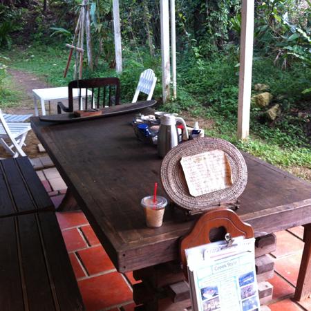 宗像堂 外でカフェ