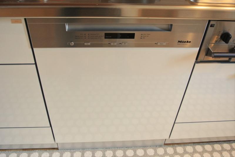 朝起きたらミーレの食洗機が止まってた!エラーコードF14って