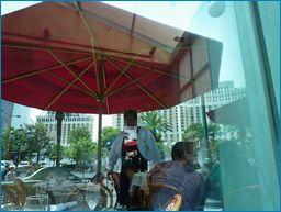 ラスベガス モナミガビ店内からベラージオを見る