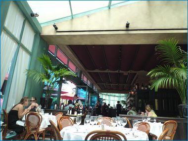 ラスベガス パリス・モナミガビの店内風景