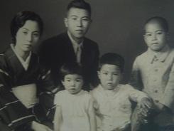未だ5人家族だった頃 姉と私は11歳離れている