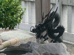 川上神社の龍.jpg