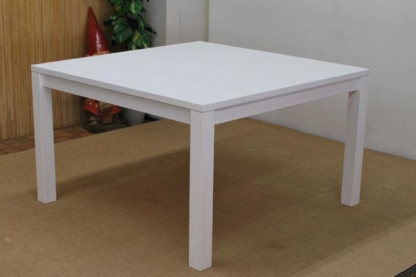 真っ白なテーブル