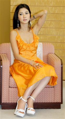 ミス・ユニバース日本代表宮坂絵美里さん210515-08.jpg
