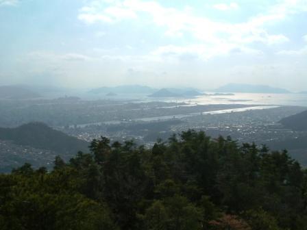 大茶臼山展望岩から