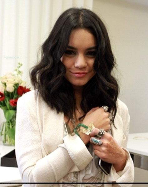 Vanessa-Haute-Betts-Jewelry-.jpg
