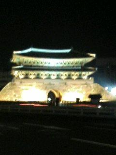 夜の南大門。