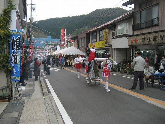 産業祭(鴨山駕籠かき4).jpg